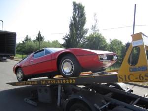 Carroattrezzi a Modena H24. Carro attrezzi Idea Auto con Ferrari rossa